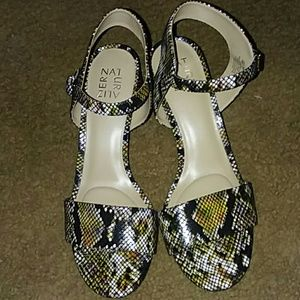 Naturalizer snakeskin heels